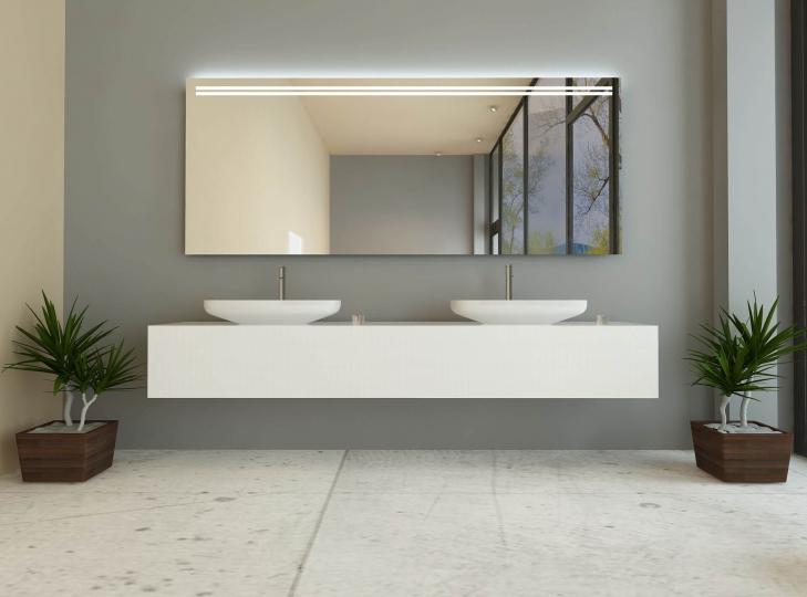 antonia ist ein badspiegel mit beleuchtung oben. Black Bedroom Furniture Sets. Home Design Ideas