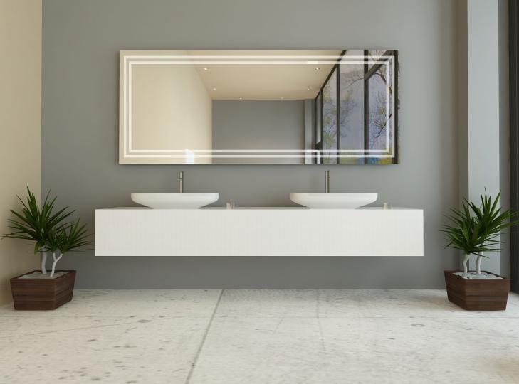 maya ist ein spiegel mit rundherum beleuchtung. Black Bedroom Furniture Sets. Home Design Ideas