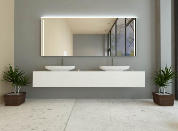 sarah ist ein badspiegel mit beleuchtung links rechts oben. Black Bedroom Furniture Sets. Home Design Ideas